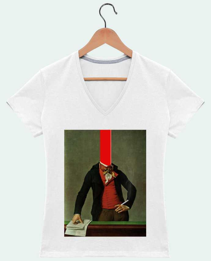 T-shirt Col V Femme The red stripe in the head and the cigarette in the hand par Marko Köppe