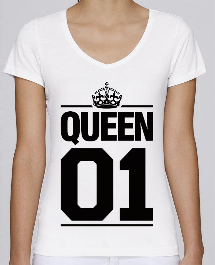 T-shirt Femme Col V Stella Chooses Queen 01 par Freeyourshirt.com