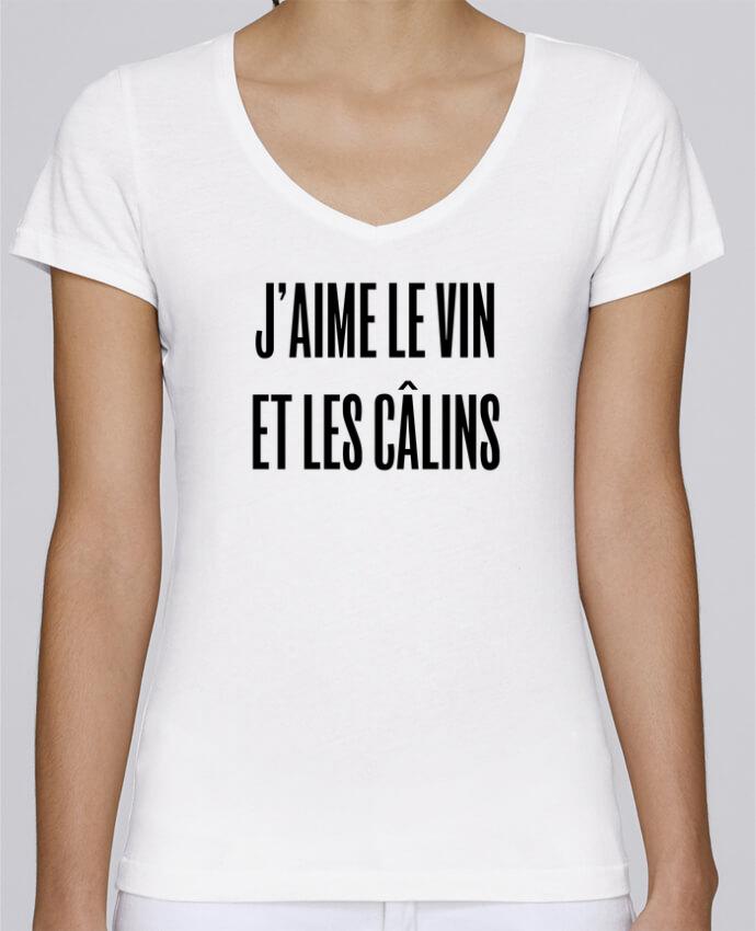 T-shirt Femme Col V Stella Chooses J'aime le vin et les câlins par tunetoo