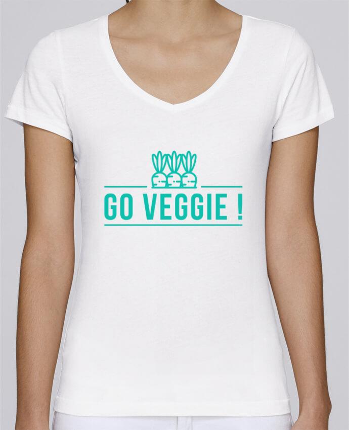 T-shirt Femme Col V Stella Chooses Go veggie ! par Folie douce