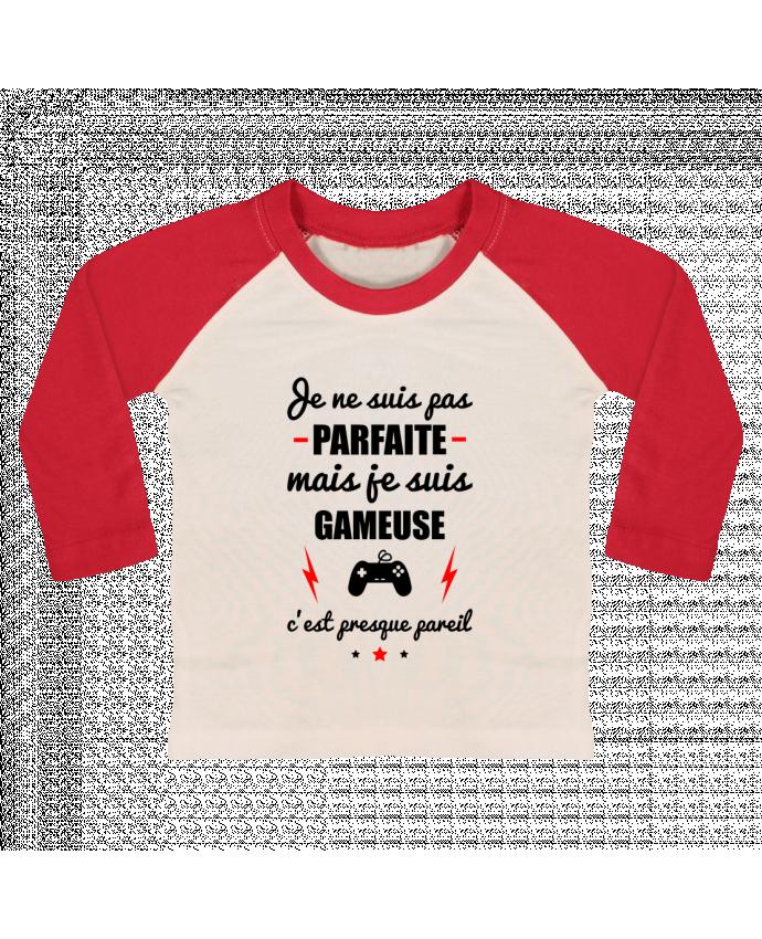 Tee-shirt Bébé Baseball ML Je ne suis pas parfaite mais je suis gameuse c'est presque pareil par Be