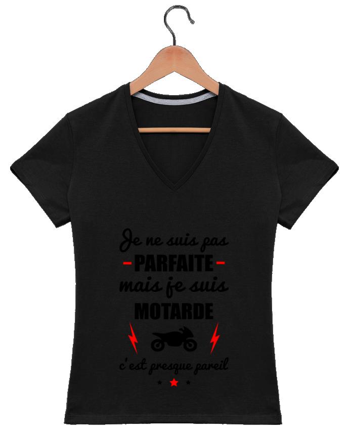 T-shirt Col V Femme 180 gr Je ne suis pas parfaite mais je suis motarde c'est presque pareil par Benichan