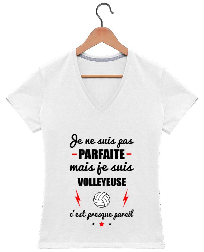 T-shirt Col V Femme 180 gr Je ne suis pas parfaite mais je suis volleyeuse c'est presque pareil par Benich