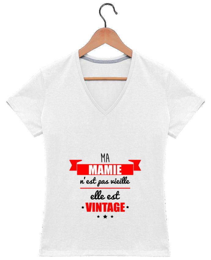 T-shirt Col V Femme 180 gr Ma mamie n'est pas vieille elle est vintage par Benichan
