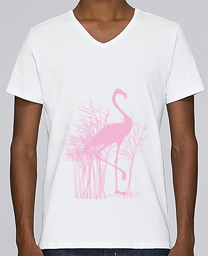 T-shirt Col V Homme Stanley Relaxes Flamant rose dans roseaux par Studiolupi