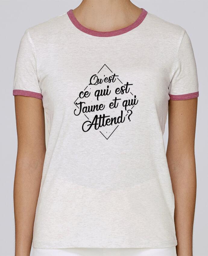 T-shirt Femme Stella Returns Qu'est ce qui est jaune et qui attend ? pour femme par tunetoo