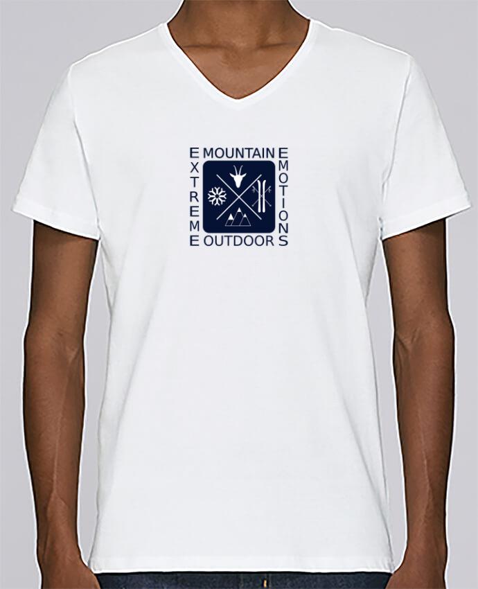 010e469bc68 T-shirt Col V Homme Stanley Relaxes Mountain Outdoor fond bleu marine par  MaZa
