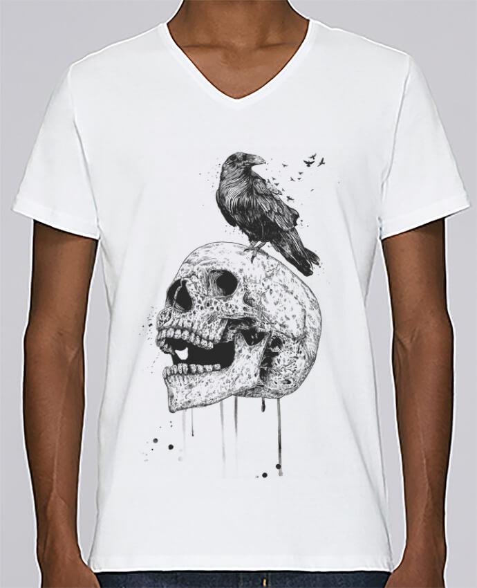 T-shirt Col V Homme Stanley Relaxes New skull (bw) par Balàzs Solti