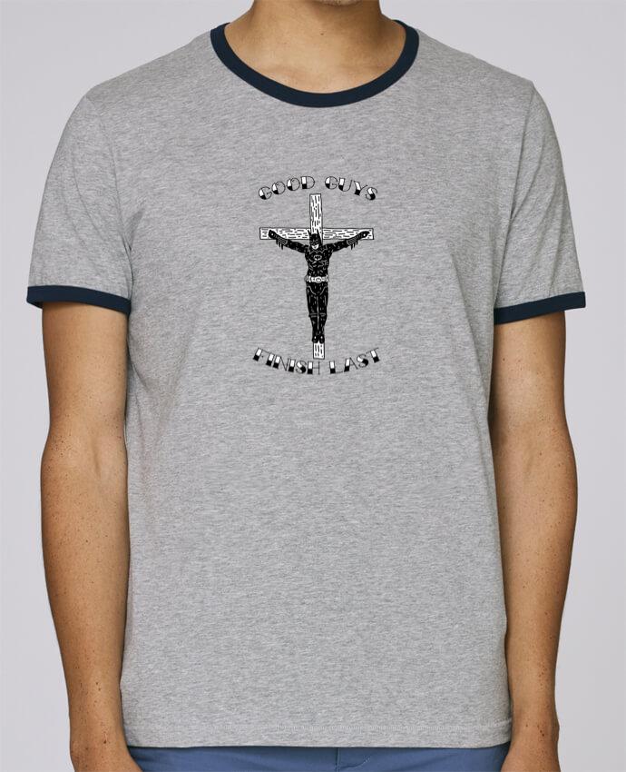 T-Shirt Ringer Contrasté Homme Stanley Holds Batman Jesus pour femme par Nick cocozza