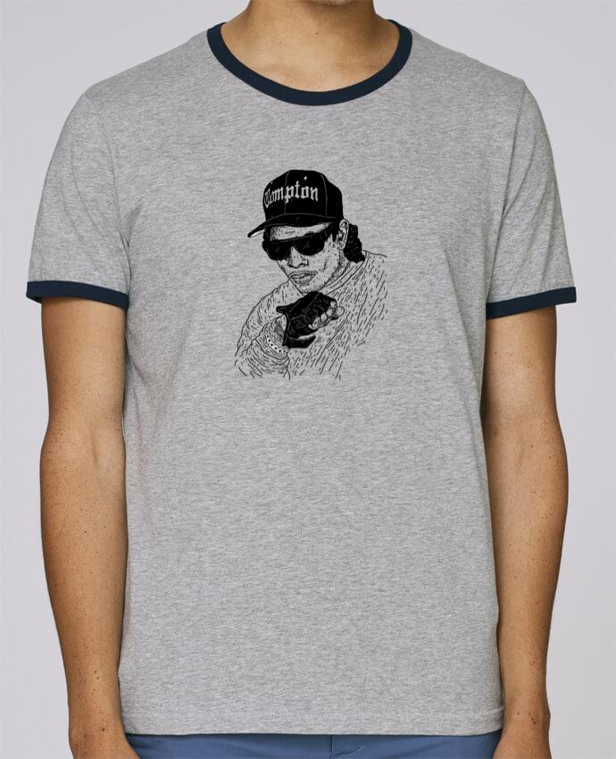 T-Shirt Ringer Contrasté Homme Stanley Holds Eazy E Rapper pour femme par Nick cocozza