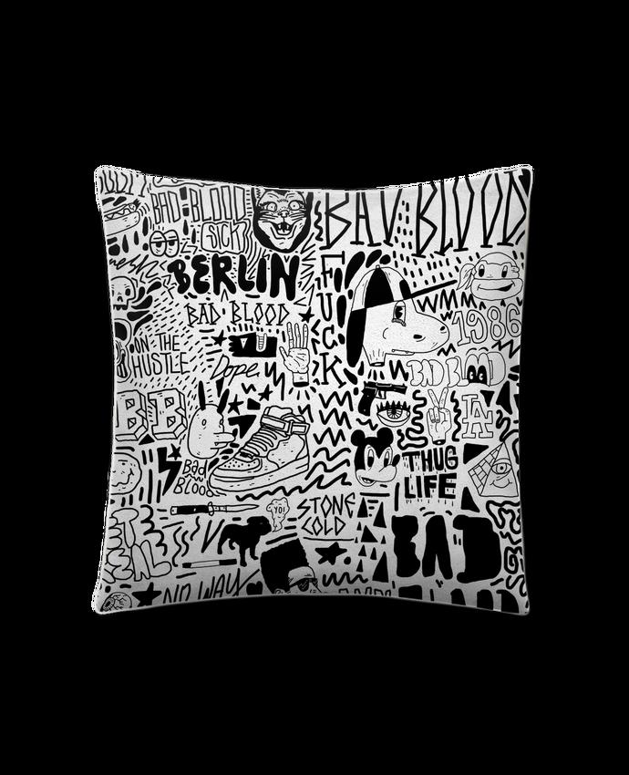 Coussin Toucher Peau de Pêche 41 x 41 cm Black White Street art Pattern par Nick cocozza