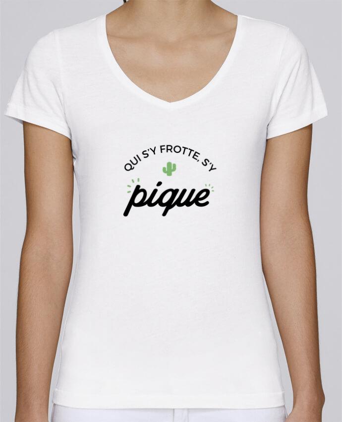 T-shirt Femme Col V Stella Chooses Qui s'y frotte d'y pique par Nana