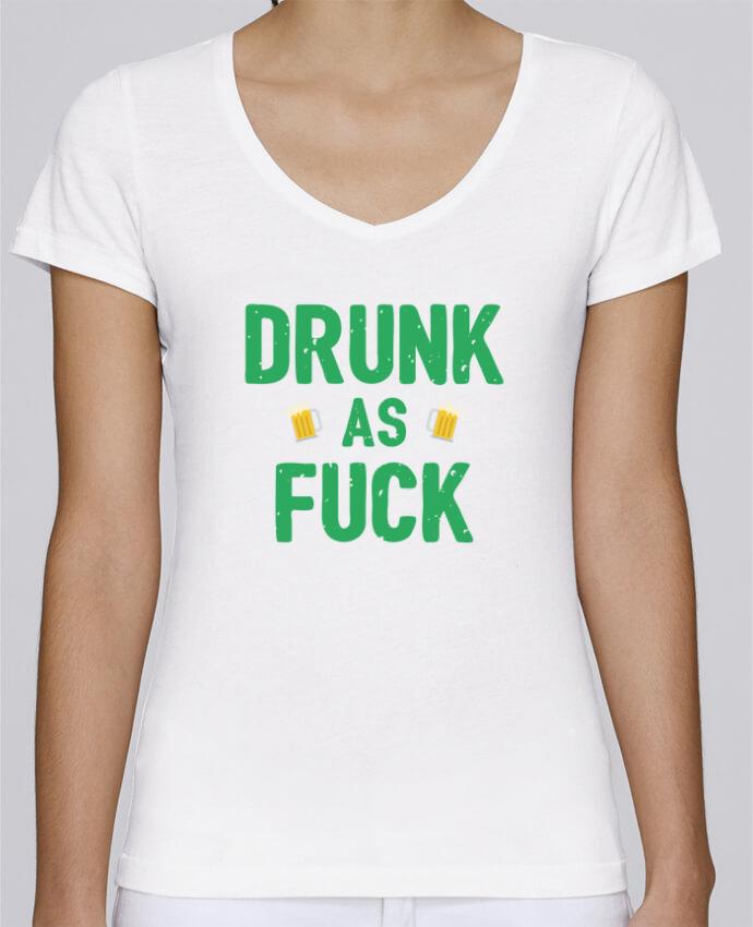 T-shirt Femme Col V Stella Chooses Drunk as fuck par tunetoo