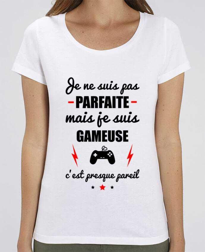 T-shirt Femme Je ne suis pas parfaite mais je suis gameuse c'est presque pareil par Benichan